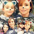 Jennifer Lauret et ses trois filles font un selfie ! Janvier 2018.