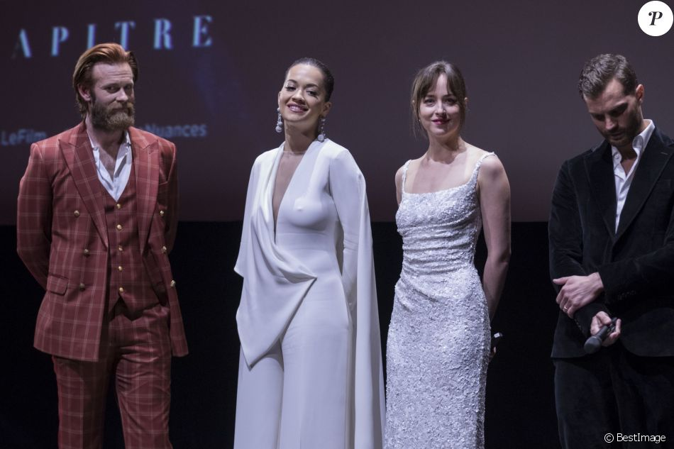 Eric johnson rita ora dakota johnson jamie dornan for Interieur paris premiere