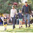 Jennifer Garner et Ben Affleck se retrouvent pour aller encourager leur fils Samuel à un match de football à Brentwood. La petite Seraphina est de la partie, plus tard Ben repart à moto! Le 27 janvier 2018