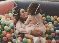 Amel Bent : Musique à fond, sa petite Sofia, 2 ans, danse sur de la samba