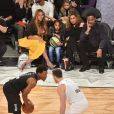 Beyoncé, sa fille Blue Ivy Carter, Tina Knowles et son mari Richard Lawson assistent au NBA All-Star Game 2018 au Staples Center. Los Angeles, le 18 février 2018.
