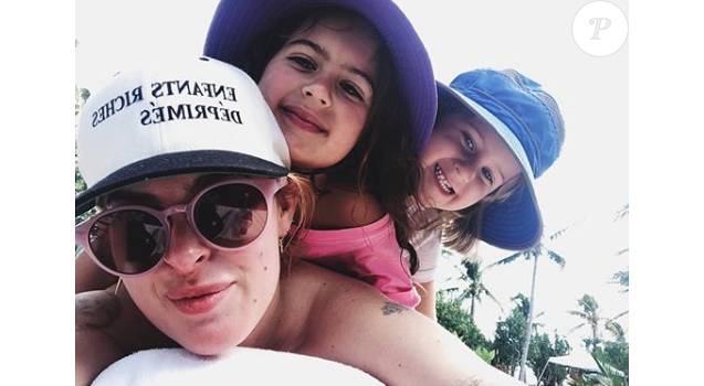 Rumer Willis avec ses deux petites soeurs Mabel et Evelyn (février 2018)