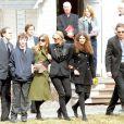 Les funérailles de Natasha Richardson dans l'église épiscopale de Millbrook dans l'état de New York le 22 mars 2009 : Liam Neeson, leurs fils Michael et Daniel, la soeur de Natasha, Joely Richardson et sa fille