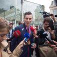 Le champion du monde du 800m, Pierre-Ambroise Bosse, arrive Gare du Nord à Paris, France, le 12 août 2017.