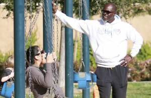 Kimora Lee, la compagne de Djimon Hounsou... Une maman qui s'amuse comme une enfant !