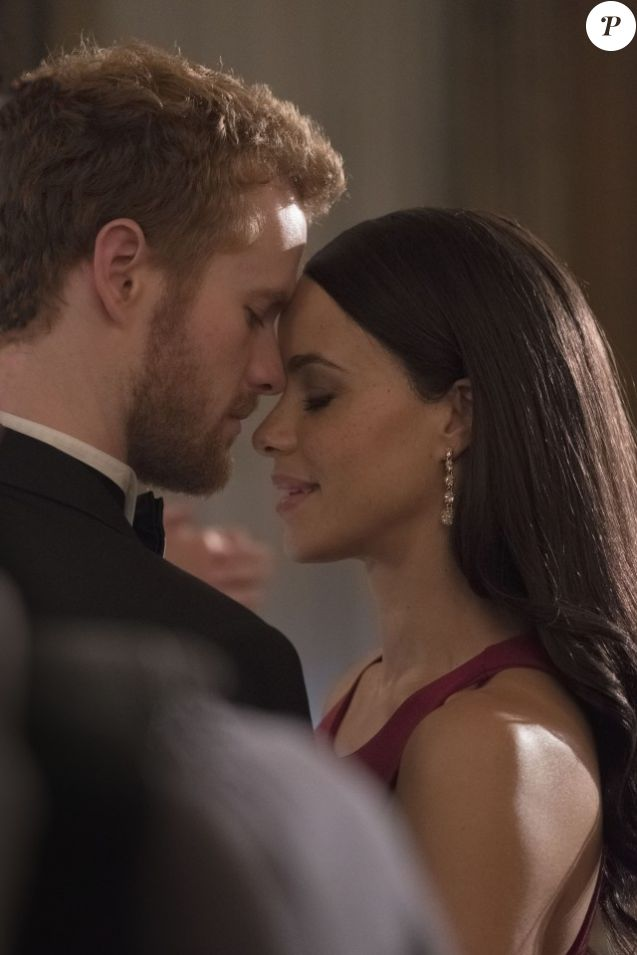 Murray Fraser et Parisa Fitz-Henley incarnent le prince Harry et Meghan Markle dans le téléfilm Lifetime Harry & Meghan : A Royal Romance. Diffusion le 13 mai 2018. © Michael Courtney / Lifetime