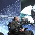 """Stephen Hawking présente le projet d'exploration de l'espace """"Breakthrough Starshot"""" à l'observatoire """"One World"""" à New York. Le 12 avril 2016 © Future-Image / Zuma Press / Bestimage"""