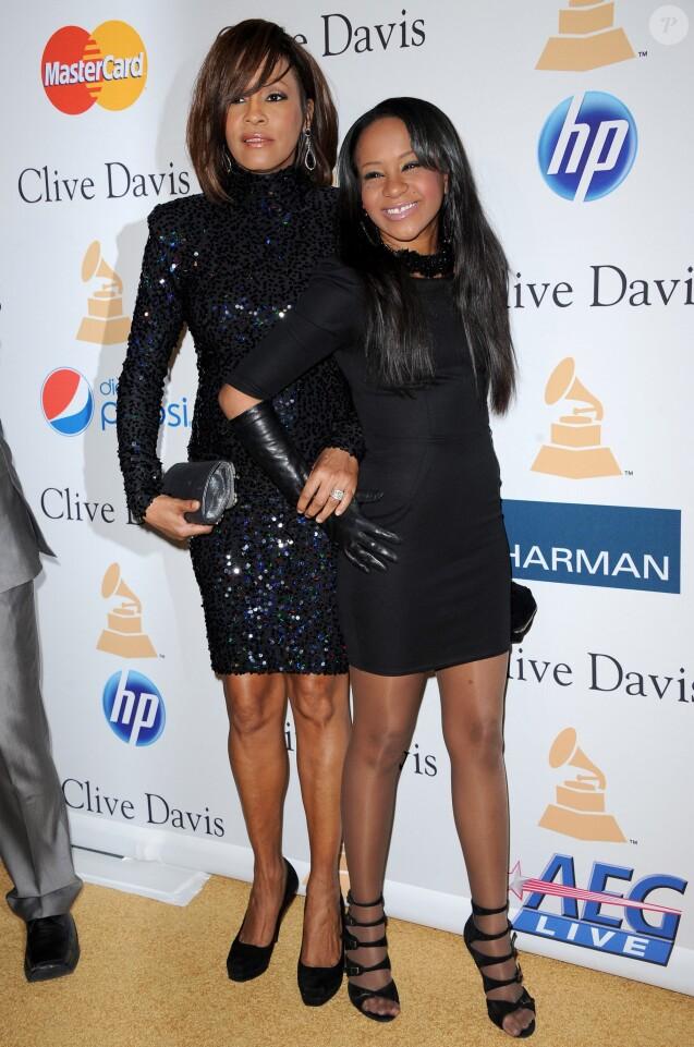 Whitney Houston et Bobbi Kristina lors de la soirée Pre-GRAMMY Gala & Salute au Beverly Hilton Hotel de Los Angeles, le 12 février 2011