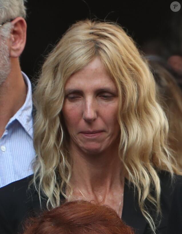 Sandrine Kiberlain lors des obsèques de Jean Rochefort en l'église Saint-Thomas d'Aquin à Paris, le 13 octobre 2017.
