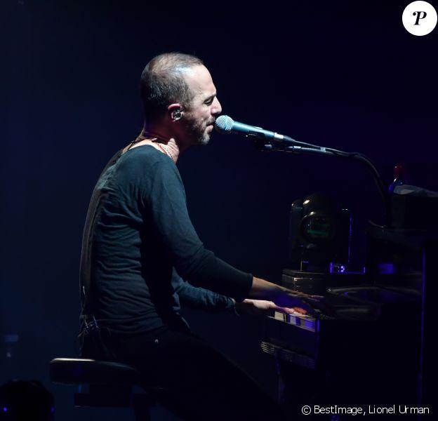 """Calogero en concert dans le cadre de sa tournée intitulée """"Liberté Chérie Tour"""" au palais Nikaia à Nice, le 22 mars 2018. © Lionel Urman/Bestimage"""