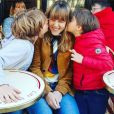 Sarah Lavoine a partagé cette jolie photo de ses trois enfants (Yasmine, Roman et Milo) sur Instagram. Avril 2017