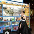 Céline Dion dévore un hot dog dans les rues de New York après le MET Gala, en mai 2017