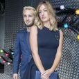 Hopper Penn et sa compagne Uma von Wittkamp - People au défilé Dior Prêt-à-Porter Homme Printemps-Eté 2017 au Tennis Club de Paris, le 25 juin 2016.