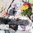Exclusif - Jean-Claude Darmon est venu se recueillir sur la tombe de son ami Johnny Hallyday au cimetière marin de Lorient à Saint-Barthélemy le 15 mars 2018.