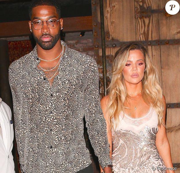 Khloé Kardashian et son compagnon Tristan Thompson quittent le restaurant TAO à Hollywood le 25 juin 2017.