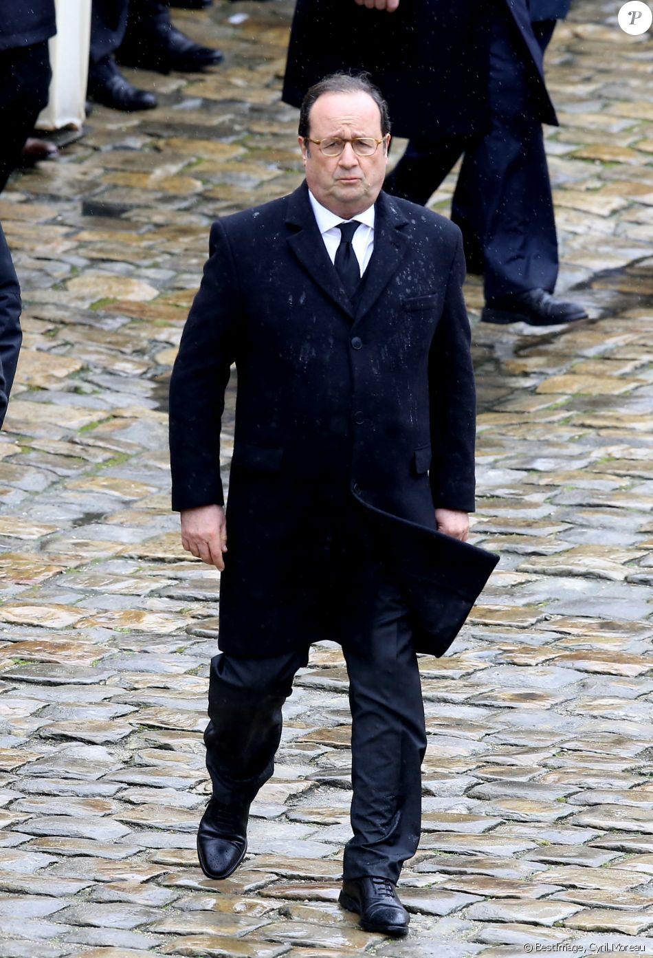 François Hollande - Hommage national au lieutenant-colonel de gendarmerie Arnaud Beltrame aux Invalides à Paris. Le 28 mars 2018. © Cyril Moreau / Bestimage