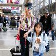 Semi-exclusif - Johnny Hallyday a quitté Los Angeles pour Paris avec sa femme Laeticia, ses filles Jade et Joy, son manager Sébastien Farran, Elyette la grand-mère de sa femme et sa chienne Cheyenne le 29 mai 2017.