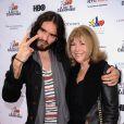 Russell Brand et sa mère Barbara Elizabeth à Los Angeles, le 6 novembre 2011.