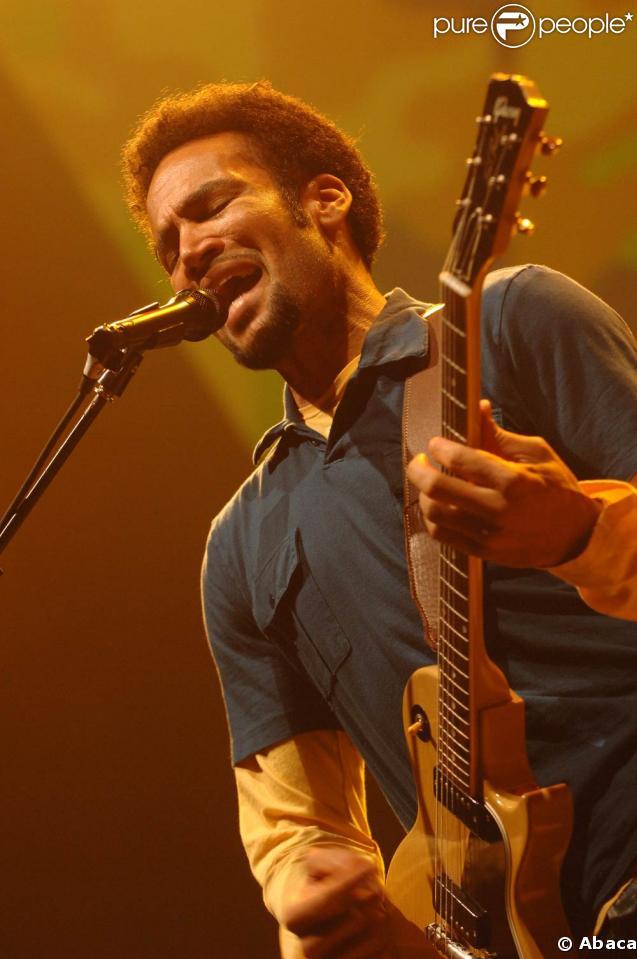 Ben Harper sur scène à Genève en octobre 2006