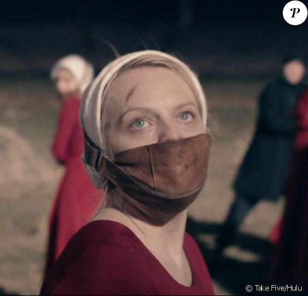 """Elisabeth Moss dans la saison 2 de """"The Handmaid's Tale : La Servante écarlate"""", diffusion en mai 2018 sur OCS."""