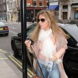 Geri Halliwell se promène à Londres. Mars 2009