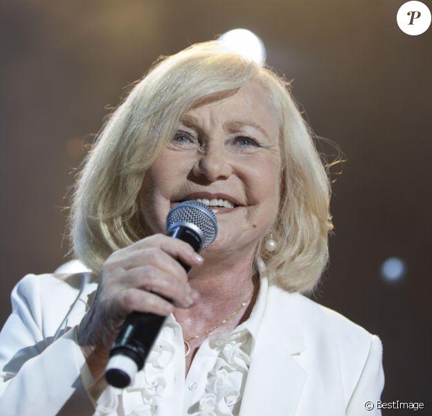 Exclusif - Michèle Torr - Concert Enfant Star & Match à la pinède Gould à Juan Les Pins, France, le 8 juillet 2017. © JLPPA/Bestimage08/07/2017 - Juan-les-Pins
