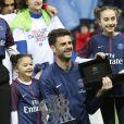 Thiago Motta a été célébré, devant sa femme et ses trois enfants, pour son tout dernier match sous le maillot du PSG lors de la réception de Rennes (0-2) au Parc des Princes à Paris, le 12 mai 2018. © Marc Ausset-Lacroix/Bestimage