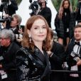 """Isabelle Huppert - Montée des marches du film """" Le Grand Bain """" lors du 71ème Festival International du Film de Cannes. Le 13 mai 2018 © Giancarlo Gorassini / Bestimage"""