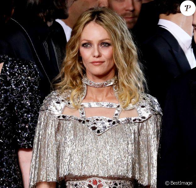 """Vanessa Paradis - Montée des marches du film """" Un couteau dans le coeur """" lors du 71ème Festival International du Film de Cannes. Le 17 mai 2018 © Borde-Jacovides-Moreau/Bestimage"""