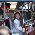 La princesse Charlotte de Cambridge, qui était avec sa mère la duchesse Catherine et tenait le rôle de flowergirl au mariage du prince Harry et de Meghan Markle le 19 mai 2018 à Windsor, a fait sensation ! Mignonne et facétieuse, le public a craqué...