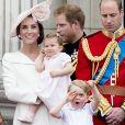 """Kate Middleton, la princesse Charlotte, le prince George, le prince William et le prince Harry - La famille royale d'Angleterre au balcon du palais de Buckingham lors de la parade """"Trooping The Colour"""" à l'occasion du 90ème anniversaire de la reine. Le 11 juin 2016"""