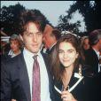 Liz Hurley et Hugh Grant en 1990