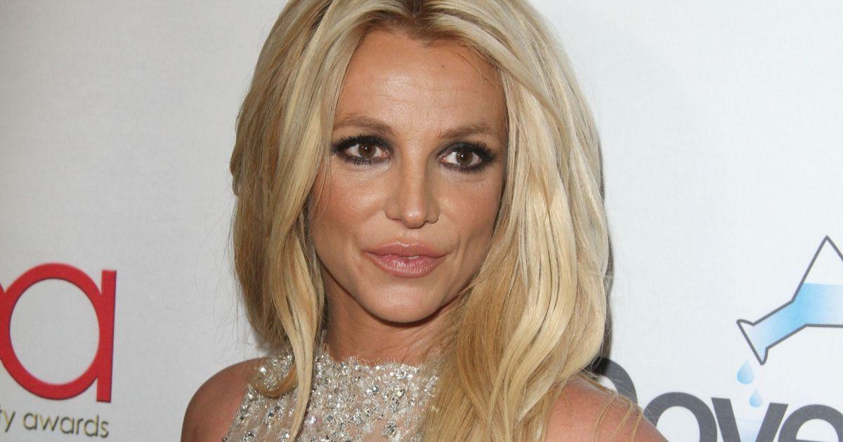 Britney Spears à la 4ème soirée annuelle Hollywood Beauty ... бритни спирс