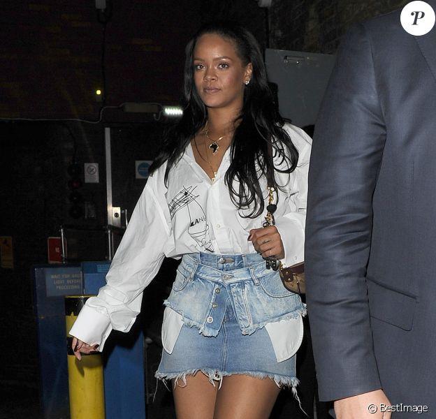 Exclusif - Rihanna sort à Londres dans le quartier de Mayfair le 22 mai 2018.
