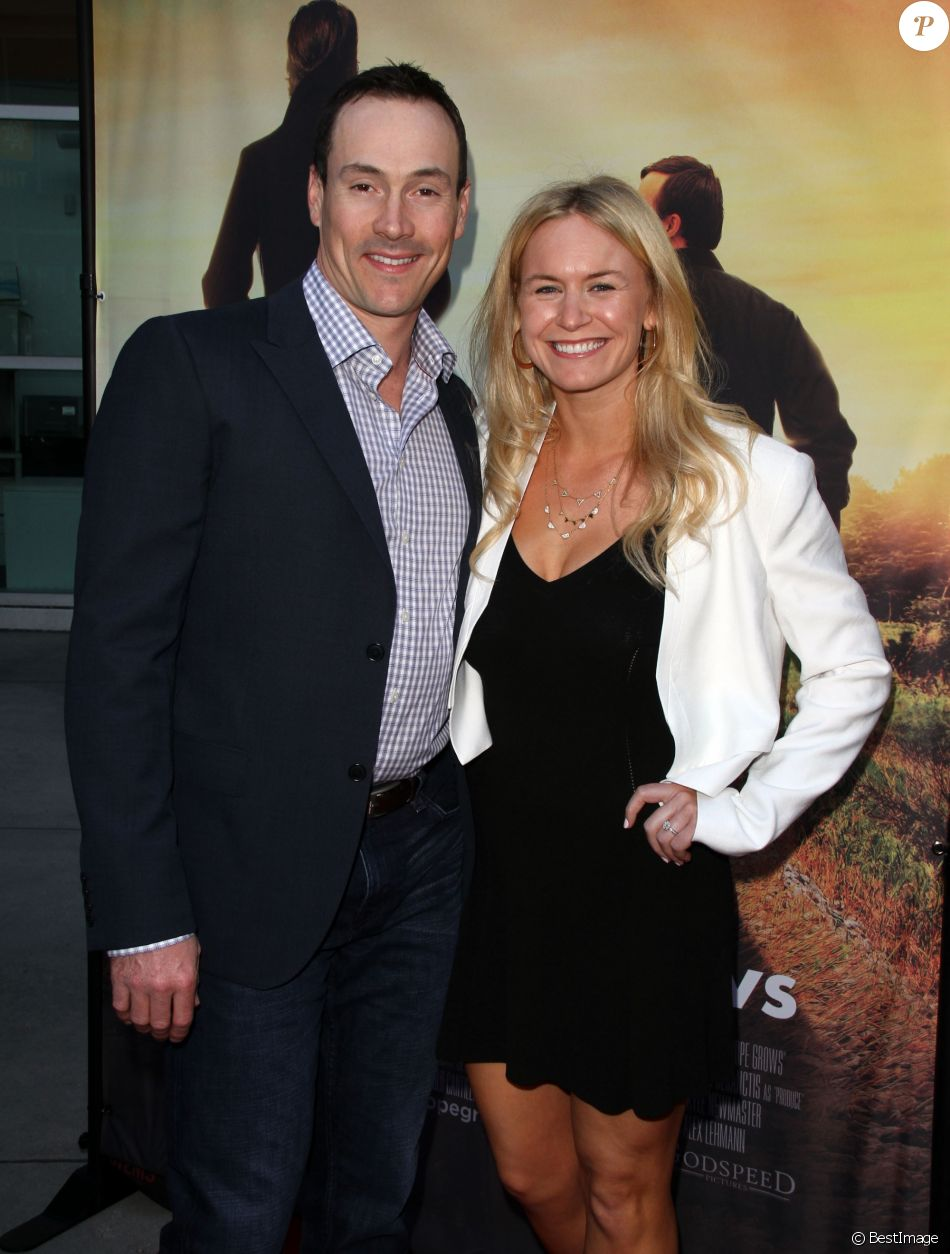 "Laina Rose Thyfault et son fiancé Chris Klein - Avant-première du film ""Where Hope Grows"" à Hollywood, le 4 mai 2015."