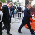 Harvey Weinstein arrive au tribunal à New York, en compagnie de son avocat Ben Brafman. Le producteur déchu Harvey Weinstein, accusé par des dizaines de femmes d'agressions sexuelles et de viols, s'est présenté spontanément au commissariat du sud de Manhattan avant d'être transféré au tribunal. New York le 25 mai 2018.
