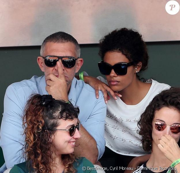 Exclusif - Vincent Cassel et sa compagne Tina Kunakey dans les tribunes des internationaux de Roland Garros - jour 5 - à Paris, France, le 31 mai 2018. © Cyril Moreau - Dominique Jacovides/Bestimage