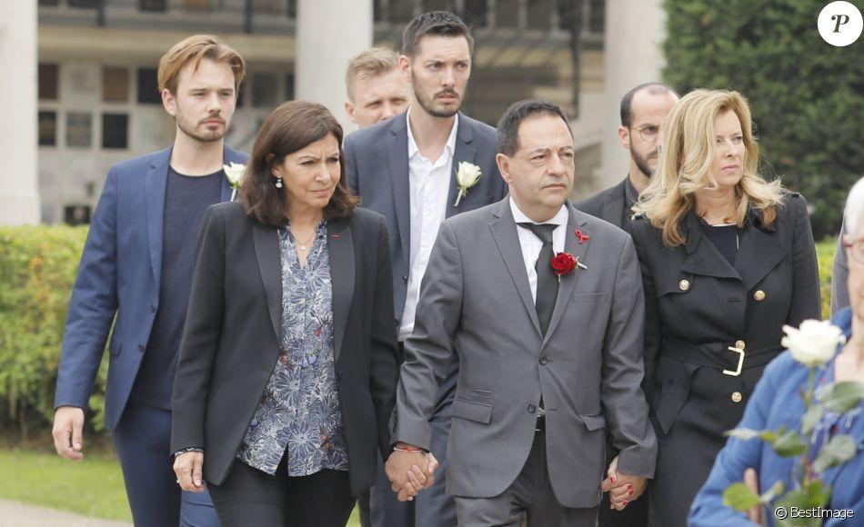 Anne Hidalgo, Jean-Luc Romero et Valérie Trierweiler - Obsèques de Christophe Michel (mari de JL Romero) au crématorium du cimetière du Père Lachaise à Paris le 6 juin 2018.