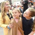La princesse Catharina-Amalia, la princesse Ariane et la princesse Alexia des Pays-Bas lors de la Fête du Roi 2017 à Tilbourg, le 27 avril 2017.