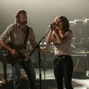 A Star Is Born: Lady Gaga, méconnaissable, tombe amoureuse de Bradley Cooper