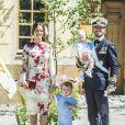 La princesse Sofia, le prince Carl Philip et leurs enfants le prince Gabriel et le prince Alexander - Baptême de la princesse Adrienne de Suède à Stockholm au palais de Drottningholm en Suède le 8 juin 2018