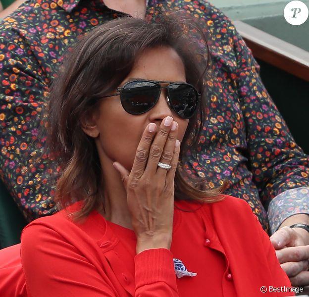 Karine Le Marchand - People dans les tribunes lors des internationaux de tennis de Roland Garros à Paris le 4 juin 2018.