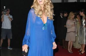 Elle Macpherson ou Dannii Minogue... qui est la plus glamour ? Elles ont sorti le grand jeu !