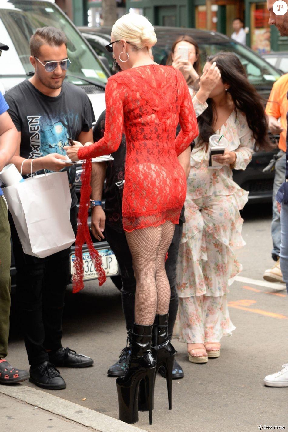 Lady Gaga arrive aux Electric Lady Studios à New York. Le 27 juin 2018.