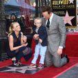 Chris Pratt, Anna Faris et leur fils Jack - Chris Pratt reçoit son étoile sur le Walk of Fame à Hollywood le 21 avril 2017.