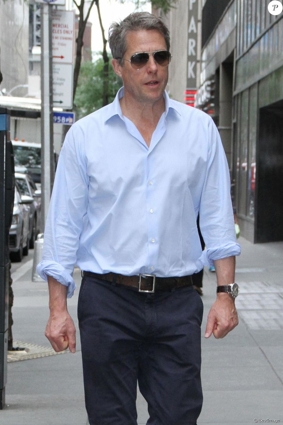 """Hugh Grant dans les rues de New York après une apparition à l'émission """"NBC Today Show"""", le 27 juin 2018"""