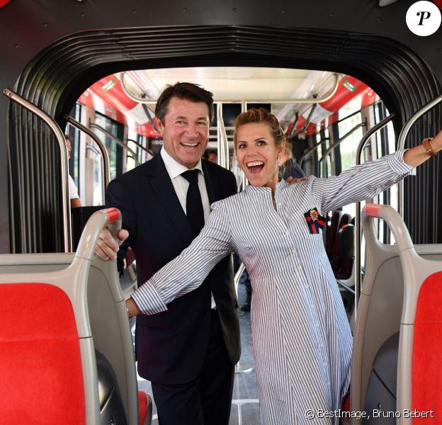 Exclusif - Christian Estrosi et sa femme Laura Tenoudji à bord de la premère rame de la ligne 2 Ouest Est du tramway sur le tronçon aérien entre le CADAM et Magnan à Nice 30 juin 2018. © Bruno Bebert/Bestimage