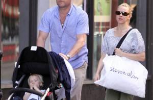Naomi Watts et Liev Schreiber cachent leur petit dernier... mais on l'a trouvé ! Regardez !