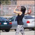 Les Black Eyed Peas, sans Fergie, sur le tournage de leur nouveau clip à Los Angeles, le 19 avril 2009. Taboo a fait du sport entre deux prises !