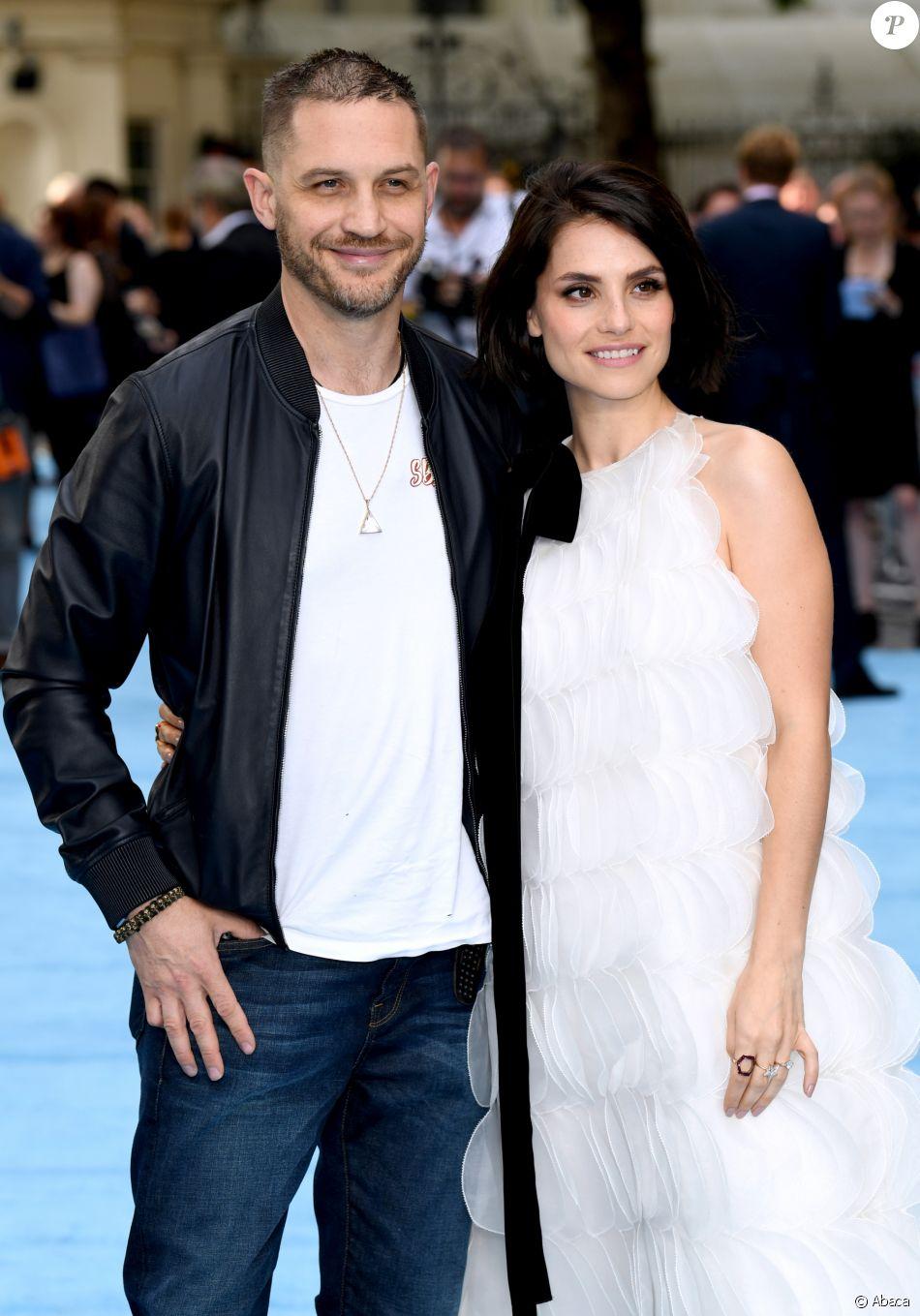 """Tom Hardy et Charlotte Riley (enceinte) à la première du film """"Swimming with Men"""" à Londres le 4 juillet 2018."""